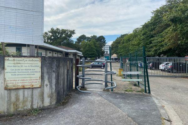 À partir de jeudi 2 septembre, les détenus du centre pénitentiaire de Gradignan vont être testés après la survenu d'un cluster de Covid-19.