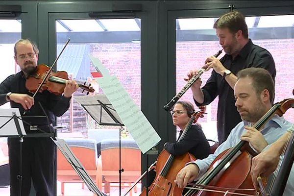 Une dizaien de musiciens de l'Opéra de Normandie ont donné un concert exceptionnel en l'honneur d'André Junement