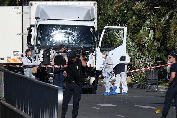 Le camion conduit par Mohamed Lahouaiej Bouhlel et qui a fait 86 morts à Nice le 14 juillet 2016