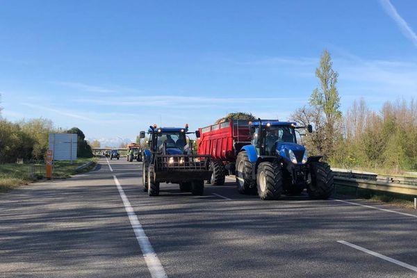 Les agriculteurs de la Haute-Garonne manifestent ce jeudi 8 avril sur les axes routiers du département.
