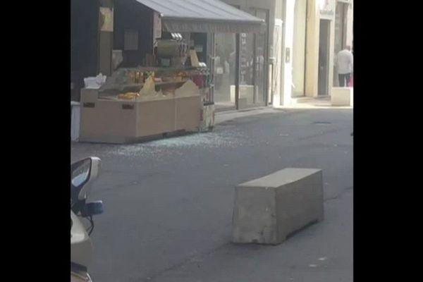 La Brioche Dorée, rue Victor Hugo (Lyon 2e) devant laquelle le paquet a explosé vendredi vers 17h30