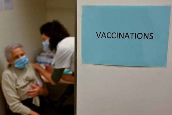 L'Île-de-France compte 109 centres de vaccination contre la Covid-19.