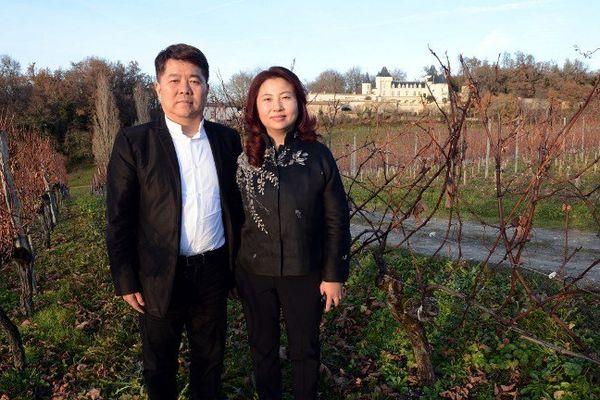 Lam Kok et son épouse au moment de l'achat du château de la Rivière