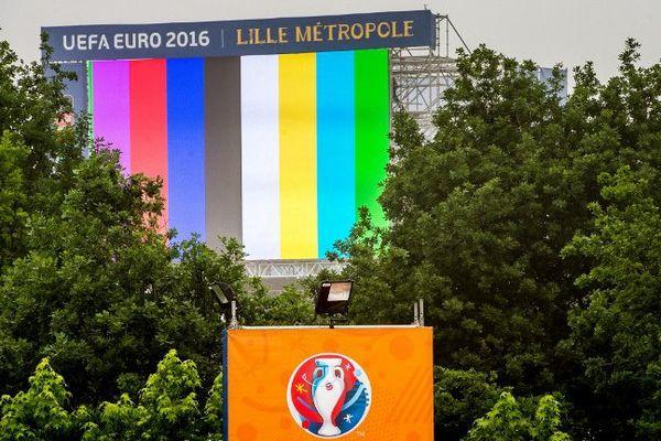 La fan zone de Lille devrait rouvrir samedi matin, si les conditions météorologiques le permettent.