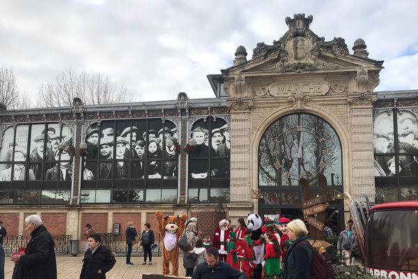 Les halles de Narbonne : plus d'un siècle qu'on s'y bouscule pendant les fêtes !