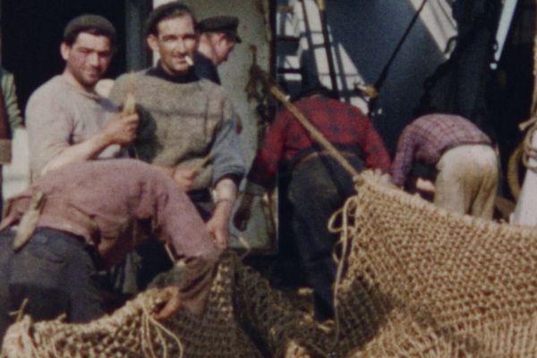 """""""Les forçats de la mer"""", un documentaire qui retrace les quotidiens des marins pêcheurs"""