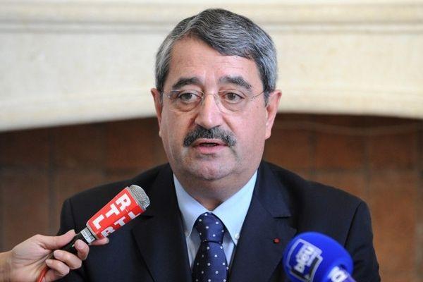 Montpellier - Bernard Legras donne une conférence de presse sur la gestion du dossier de la disparition de Chloé Rodriguez et le suivi de son ravisseur présumé Kamel Bousselat - 22 novembre 2012.
