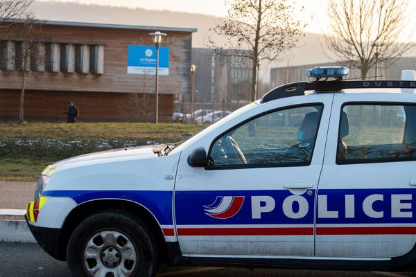 Mercredi 13 janvier, après de nouvelles menaces, le lycée Pierre-Joël-Bonté de Riom, près de Clermont-Ferrand est resté fermé.