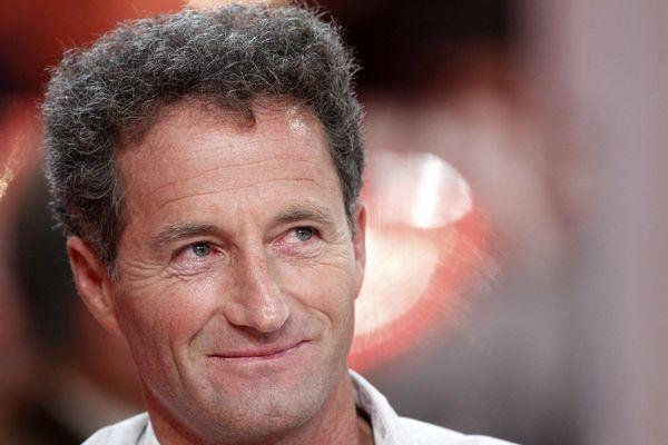Michel Desjoyeaux sur le canapé (rouge) de Michel Drucker
