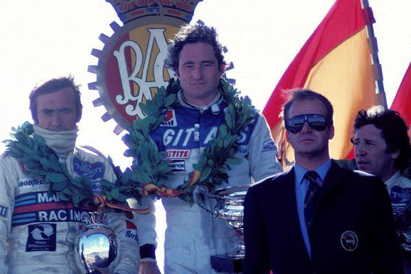 Patrick Depailler (au centre), vainqueur du grand prix d'Espagne à Jarama en 1979.