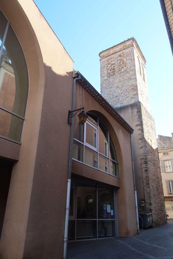 La médiathèque de Privas en Ardèche, s'apprête à rouvrir progressivement.