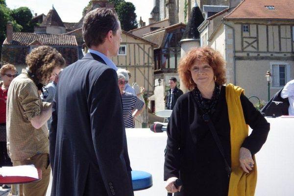 """Régine Deforges à Montmorillon en juin 2013 sur le plateau de """"La Voix est Libre"""""""