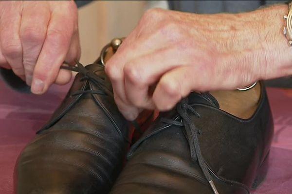 Michel Beyrand  a conservé une paire de souliers Heyraud, mais ce ne sont pas ceux à 45 000 francs.