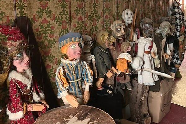 Quelques unes des marionnettes de Denis Lacaze