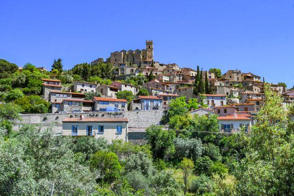 Eus est l'un des trois plus Beaux Villages de France. Entre la vallée du Conflent et le mont Canigou, c'est également le village le plus ensoleillé de France.