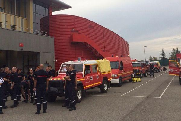 Les sapeurs-pompiers du Rhône à Lyon, prêts à partir en renfort pour les inondations dans l'Aude et le sud de la France