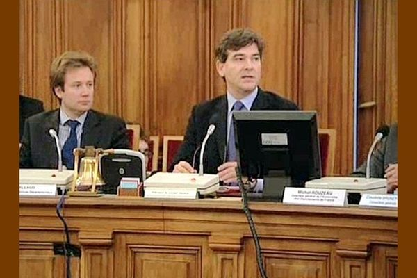 Boris Vallaud a été directeur général des Services du conseil général de Saône-et-Loire pendant 4 ans, à l'époque où Arnaud Montebourg présidait l'assemblée départementale.