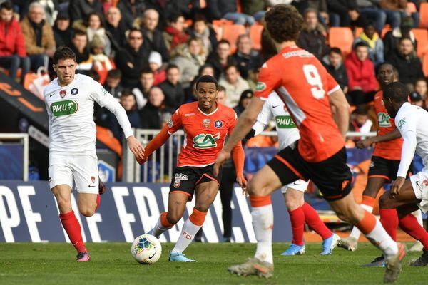 Le FC Lorient a dû batailler jusqu'en prolongation pour vaincre le Stade brestois et se qualifier pour les 16e de finale de la Coupe de France.