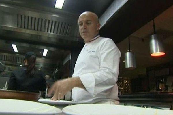 Le Chef Olivier Nasti dirige les cuisines du restaurant
