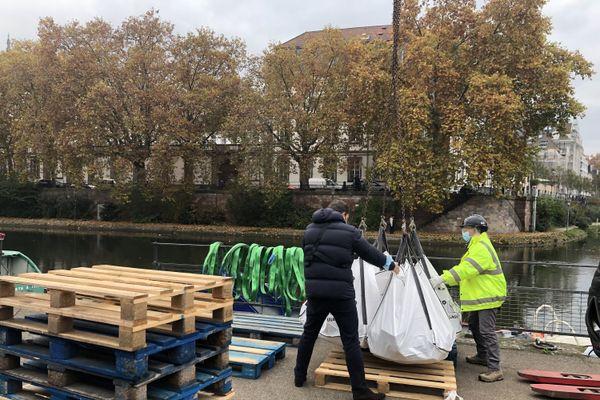 Un big bag de chantier contient 180 kilos de pavés.