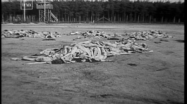 Le camp de la mort de Bergen-Belsen à la Libération