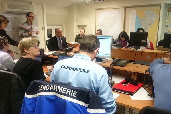 Mise en place d'un centre opérationnel départemental à Angoulême à l'occasion de la tempête Leiv, le 4 février 2017.