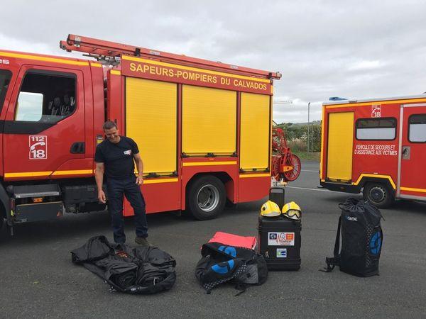 Les deux pompiers volontaires partent pour Haïti avec du matériel léger pour aider les blessés.