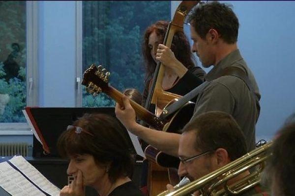 Ultimes répétitions avant le FIMU pour les musiciens du Big Band