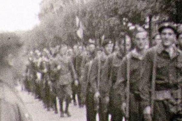 Les Allemands sont en déroute. Les Résistants défilent alors que la 1ère armée française poursuit sa progression vers Lyon.