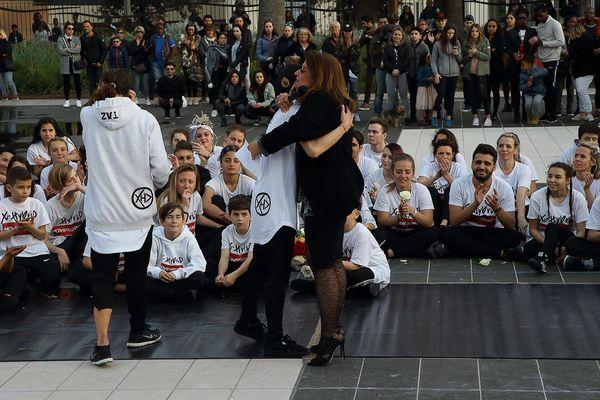 Ce dimanche 26 mars, de nombreux amis et proches de Laura Borla étaient présents au niveau du miroir d'eau de la promenade du Paillon.