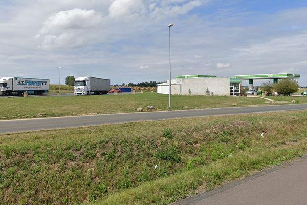 C'est sur cette aire de repos de l'autoroute A28 dans la Somme entre Abbeville et Amiens que le chauffeur routier d'origine roumaine a été mortellement poignardé.