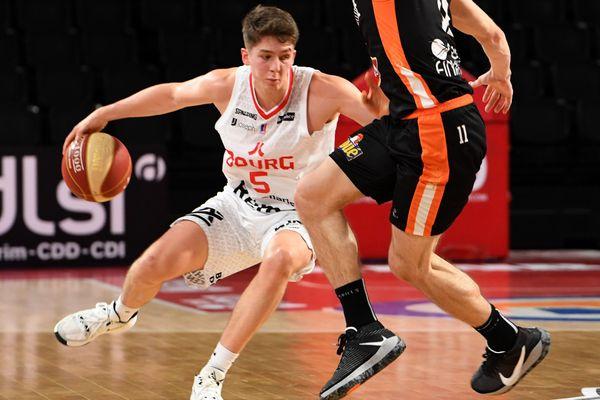 Hugo Benitez, 19 ans, a contribué à la victoire de la JL Bourg-en-Bresse face au Mans, le 22 décembre 2020. Les Burgiens sont troisième au classement du championnat élite de basket.