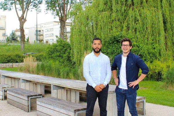Nicolas Thouvenot et Kamel Ouchefoun, deux jeunes entrepreneurs rémois ont imaginé le bracelet connecté Qoeur à la suite de l'accident d'un de leurs amis.