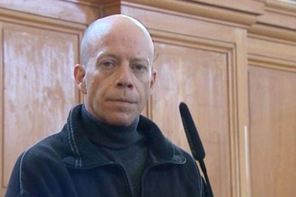 Yann Bello dans le box des accusés de la cour d'Assises de Saintes (17)