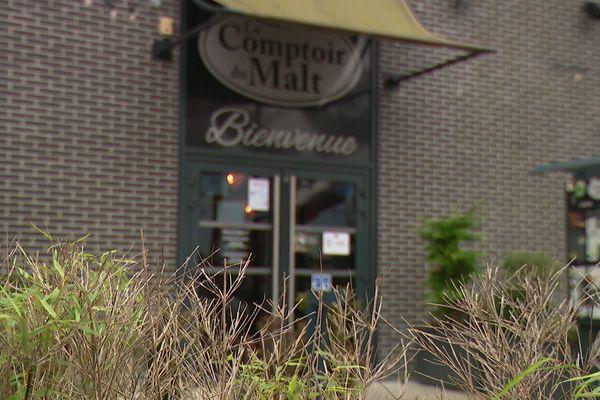 En novembre 2020, le patron de la chaîne de brasseries le Comptoir du malt a porté plainte contre l'assureur Axa.