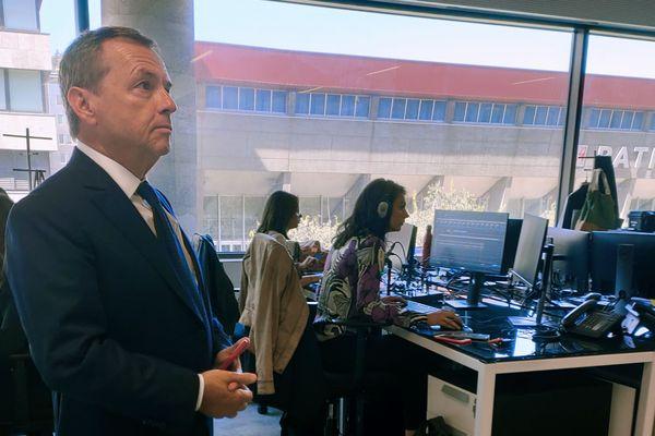 Alain Weill président du groupe Altice France , dans les locaux de BFM Lyon, le jour du lancement de la chaine
