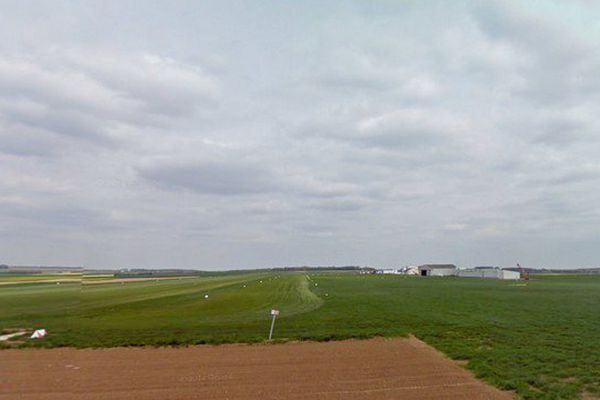 Le crash s'est produit jeudi vers 14h45 peu après le décollage d'un avion de tourisme de l'aérodrome de Roclincourt dans le Pas-de-Calais