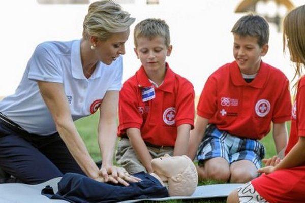 La princesse a lancé cet appel à Genève au Palais des Nations Unies, à l'occasion de la Journée mondiale des premiers secours, célébrée depuis l'an 2000.