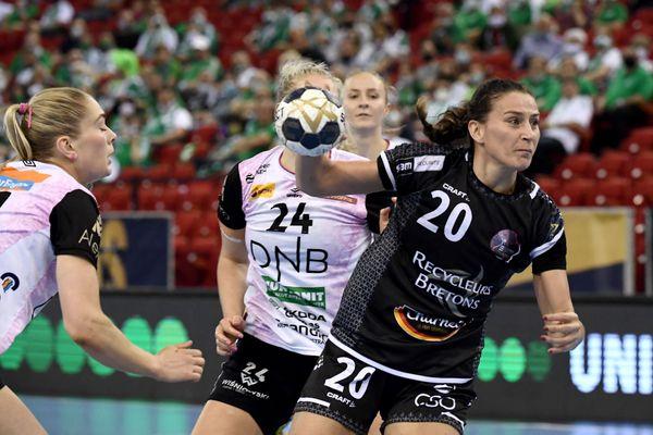 Les filles de Brest perdent en finale de la coupe d'Europe de handball mais elles n'ont jamais cessé de se battre