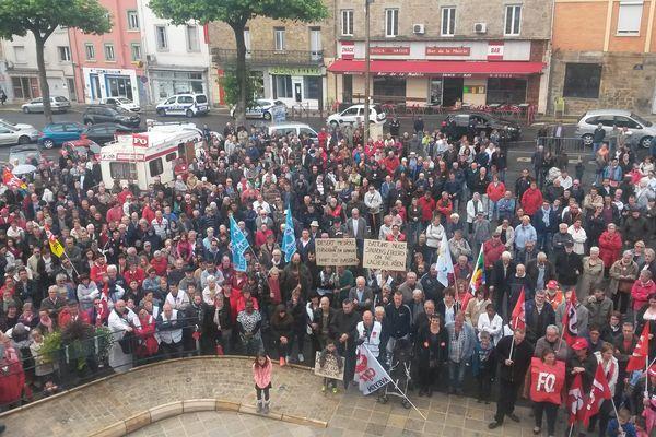 Manifestation des opposants à la fermeture de la maternité de Decazeville ce samedi 1er juillet