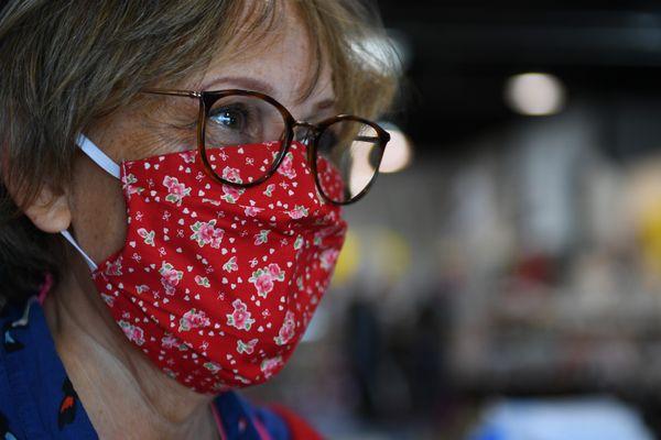 Le médecin hygiéniste Xavier Verdeil assure que le masque en tissu suffit pour un usage non médical.