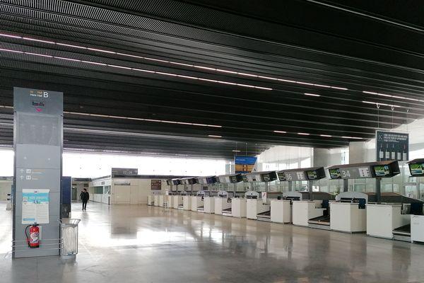 Le Hall B de l'aéroport de Bordeaux Mérignac a arrêté toute exploitation depuis mardi 17 mars.