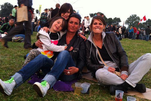Carole, Lou, Karine et Ninon, fans de Keziah Jones