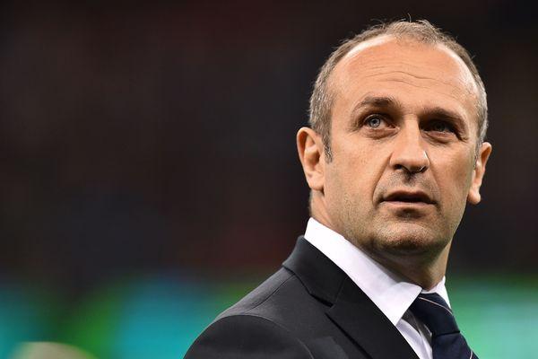 Philippe Saint-André, alors entraîneur du XV de France, lors d'un match de poule de la Coupe du monde de rugby, le 11 octobre 2015 à Cardiff.