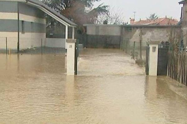 Habitations et lotissements inondés, évacués en Béarn