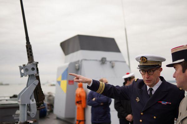 A bord du PSP le Flamant, beaucoup de militaire forcément dont le commandant de la Marine Nationale (COMAR) Frédéric Janci