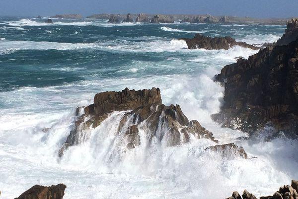 La météo coupe parfois les îliens du continent