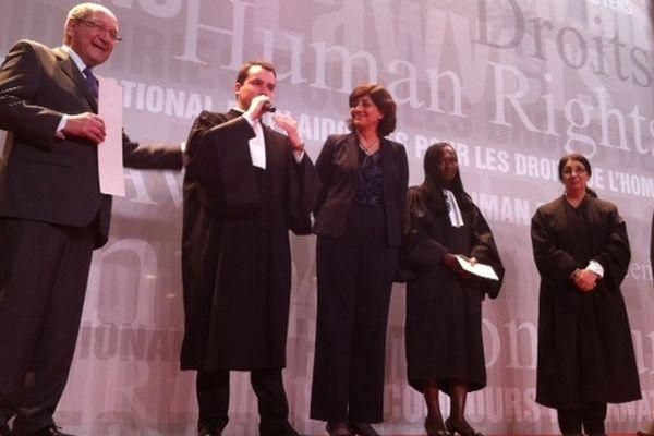 L'avocat lillois Charles Merlen remporte le 24e concours de plaidoieries des avocats organisé ce dimanche au Mémorial de Caen