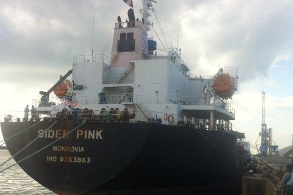 """Le """"Sider Pink"""" à quai au port de La Pallice à La Rochelle"""
