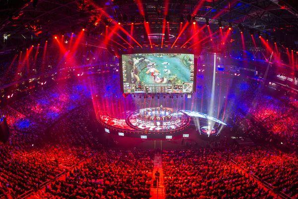La finale du championnat du monde de League of Legends à la Mercedes Benz Arena de Berlin, le 31 octobre 2015.